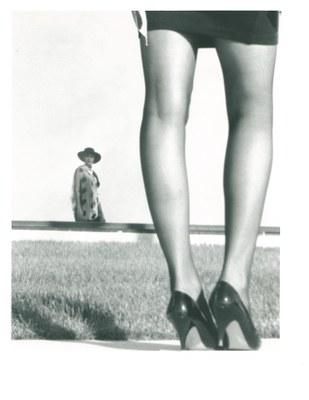 model legs window relect zoom 1991