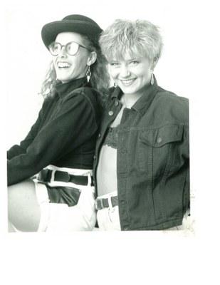models stool brunette and blonde 1991